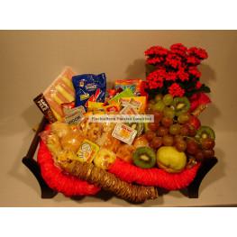 Cesta Matinal com frutas, pães e frios especial